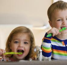 Ensinando seu filho a cuidar dos dentes